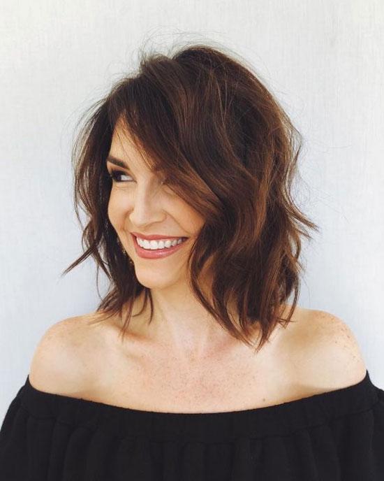 Стильные укладки на средние волосы для женщин 50 лет