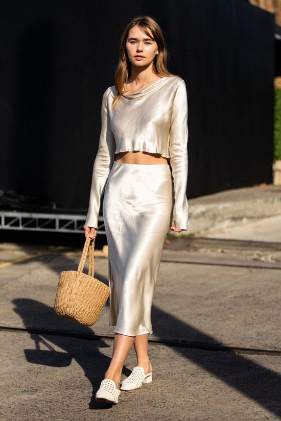 Как носить юбку из атласа летом 2020