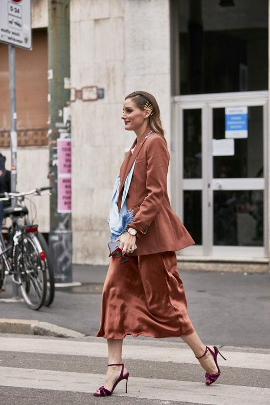 Атласная юбка-миди с жакетом на лето 2020