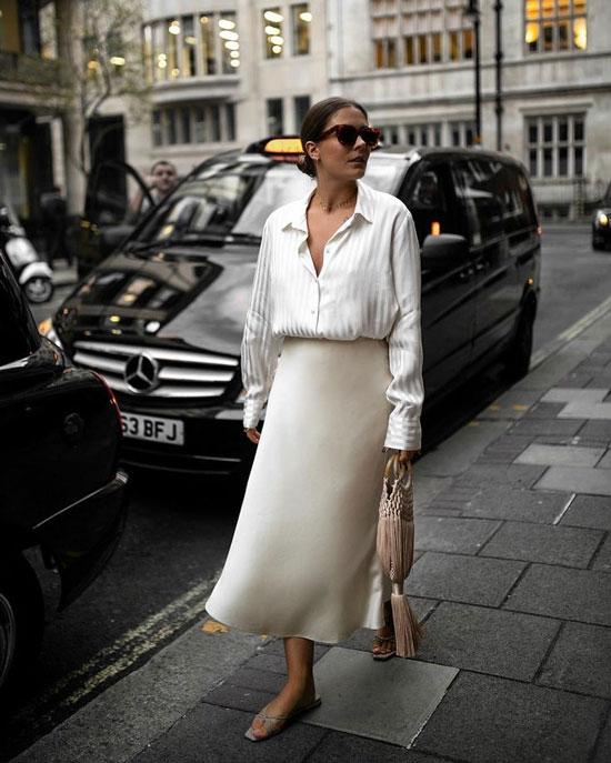Идеи стильных образов с атласной юбкой на лето 2020