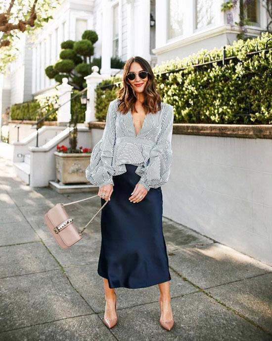 Атласная юбка с блузой и классическими лодочками