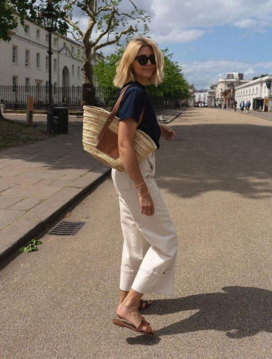 С чем женщинам носить соломенную сумку Loewe летом 2020
