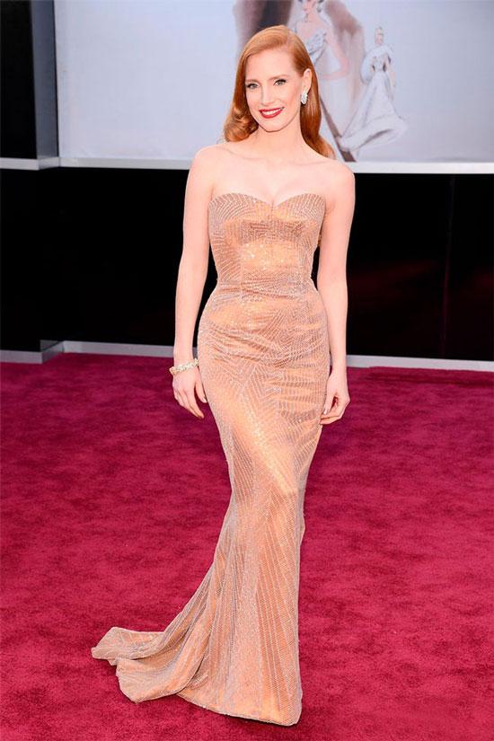 10 самых красивых платье звезд на кинопремии Оскар