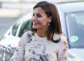 6 лучших цветочных платьев королевы Летисии: роскошные образы из масс-маркета