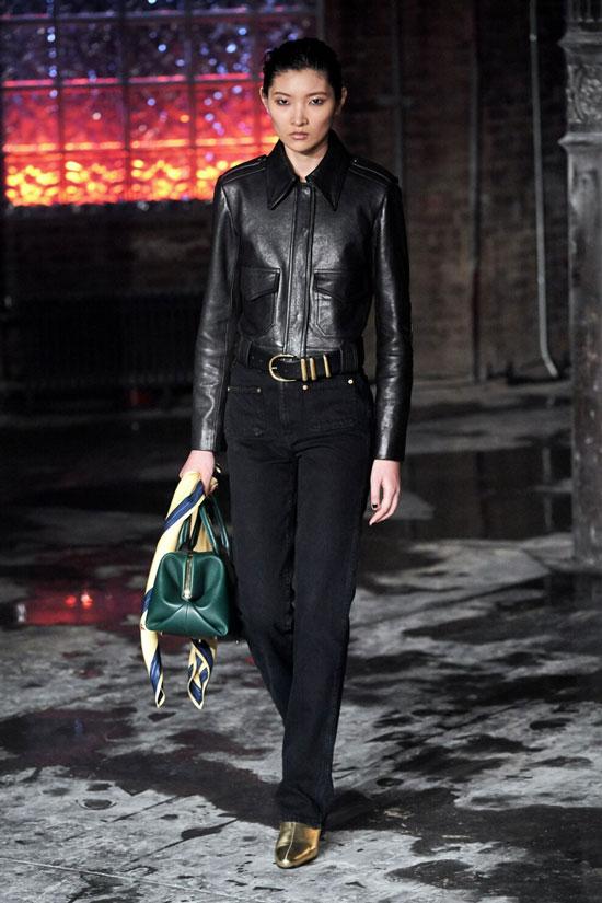 Какие джинсы носить женщинам осенью 2020