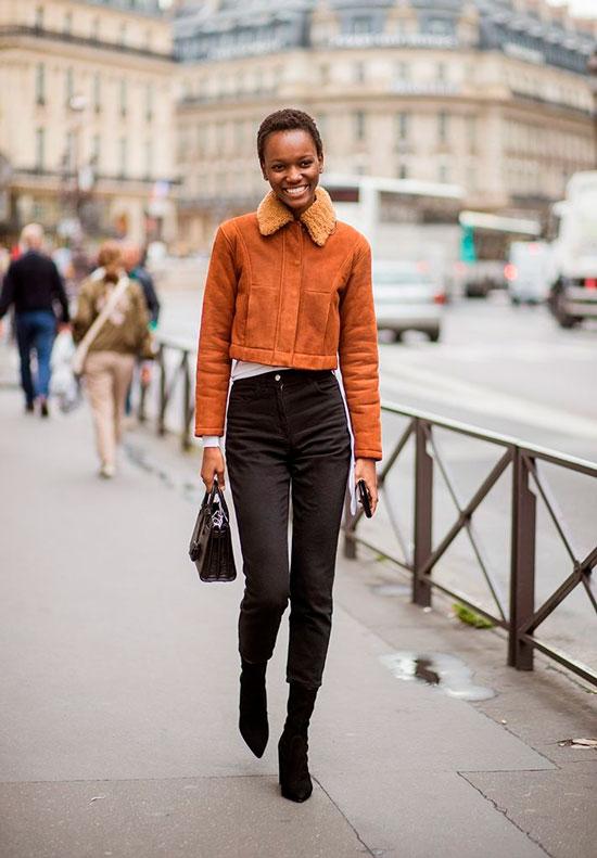 С чем носить скинни-джинсы осенью 2020