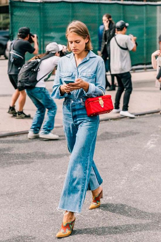 С чем носить широкие джинсы осенью 2020