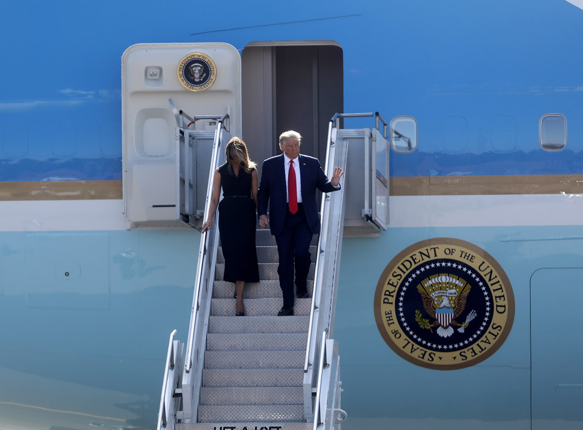 Мелания Трамп в платье миди от диор