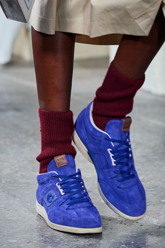 Какие кроссовки в моде осенью 2020
