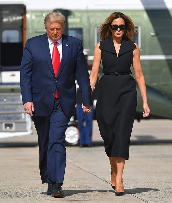 Мелания Трамп в черном изящном платье