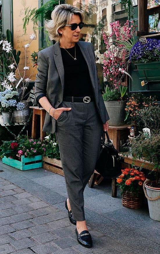 Модные костюмы для женщин 50 лет