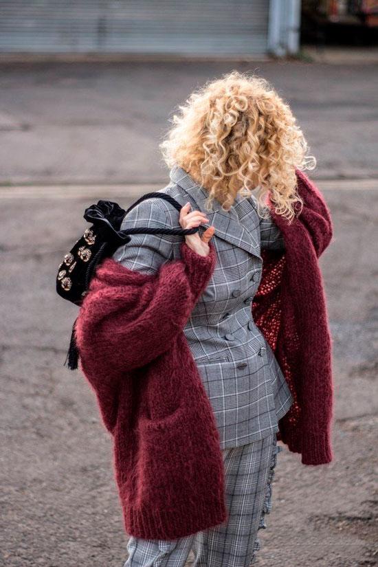 Модные брючные костюмы на осень для 50-летних женщин