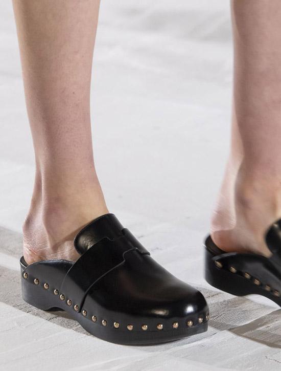 Классические сабо от Hermès