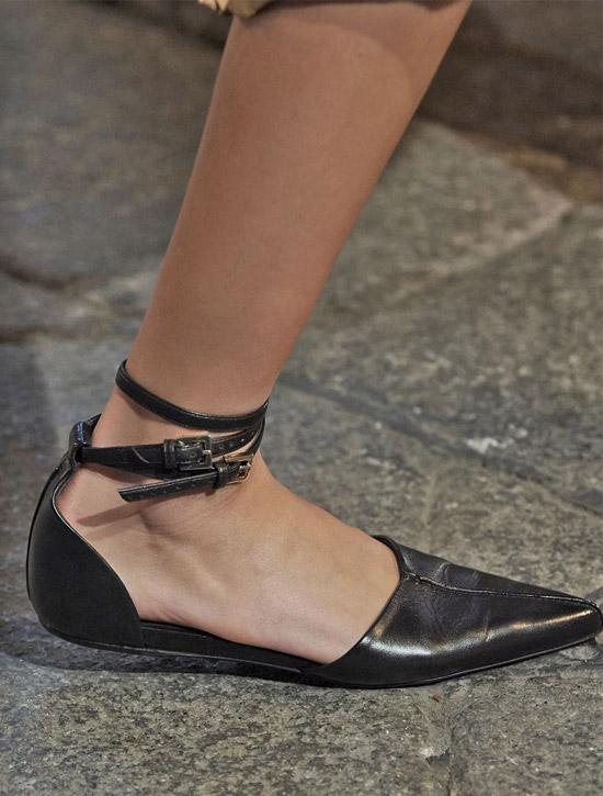 Низкие черные туфли от Max Mara
