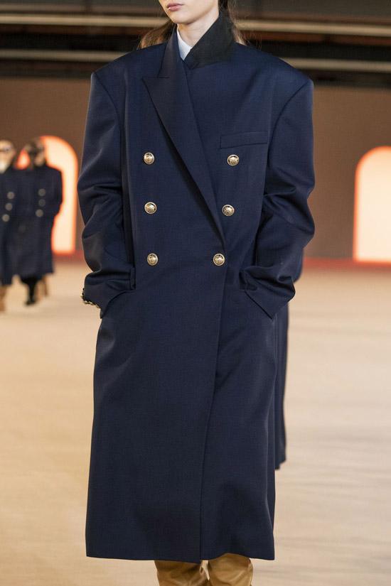 Трендовое пальто от Balmain на зиму 2021
