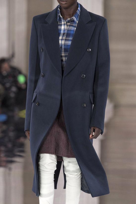 Трендовое пальто от Victoria Beckham на зиму 2021