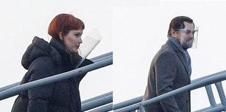 Леонардо Ди Каприо и Дженнифер Лоуренс поднимаются на корабль, чтобы продолжить съемки фильма