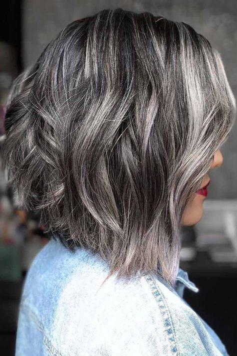 Седые волосы средней длины
