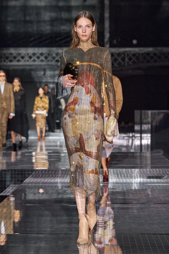 Блестящее платье с принтом Burberry