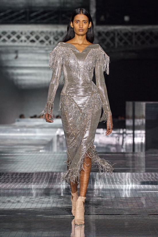 Серебряное платье Burberry