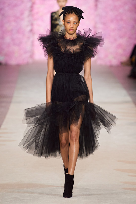 Красивое платье Giambattista Valli