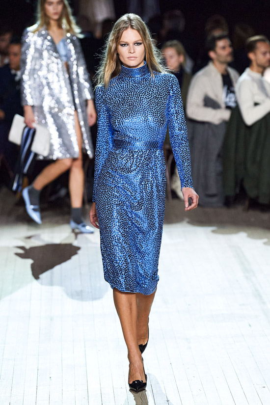 Синее платье Marc Jacobs