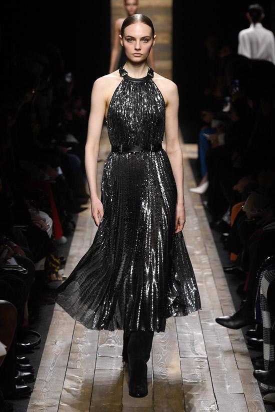 Блестящее платье в складку от Michael Kors Collection