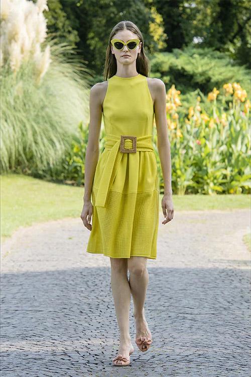 Витаминно желтое платье - модные цвета 2021 по версии Pantone Color