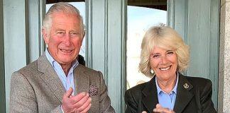 Принц Чарльз и Камилла в блейзере и мокасина с кисточками показали свою рождественскую открытку 2020