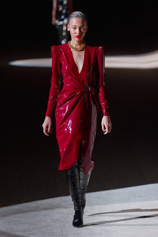 Красное платье Saint Laurent
