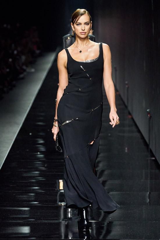 Черное платье Versace
