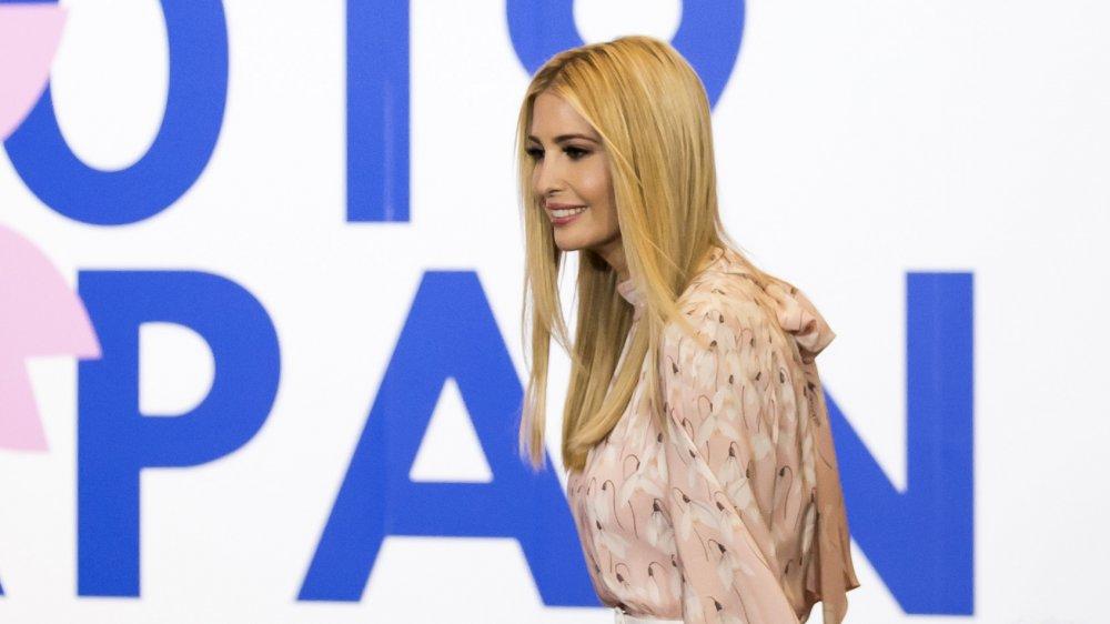 Иванка Трамп в шелковом платье