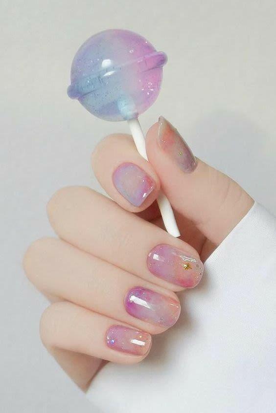 Милый маникюр омбре на коротких натуральных ногтях