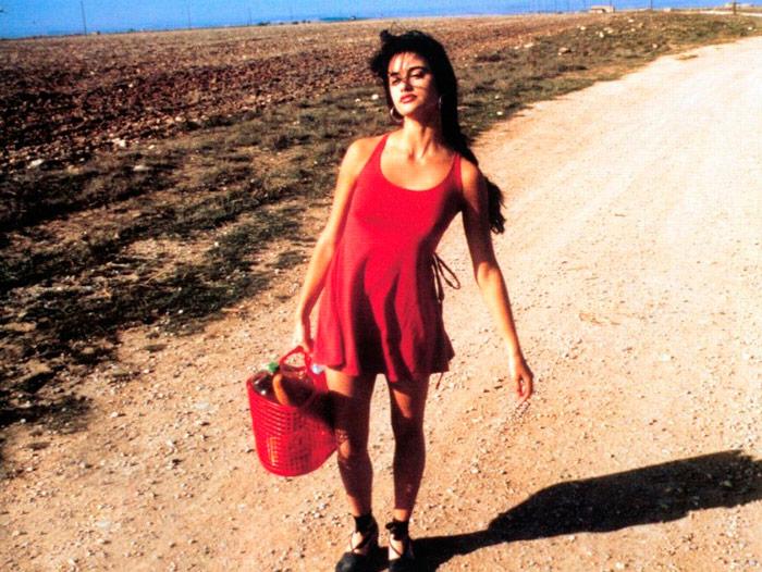 Пенелопа Крус в красном мини платье