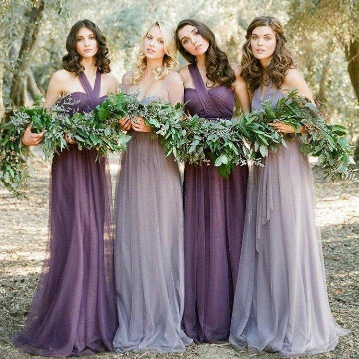 Подружки невесты в легких платьях до пола красивого лавандового оттенкаПодружки невесты в легких платьях до пола красивого лавандового оттенка