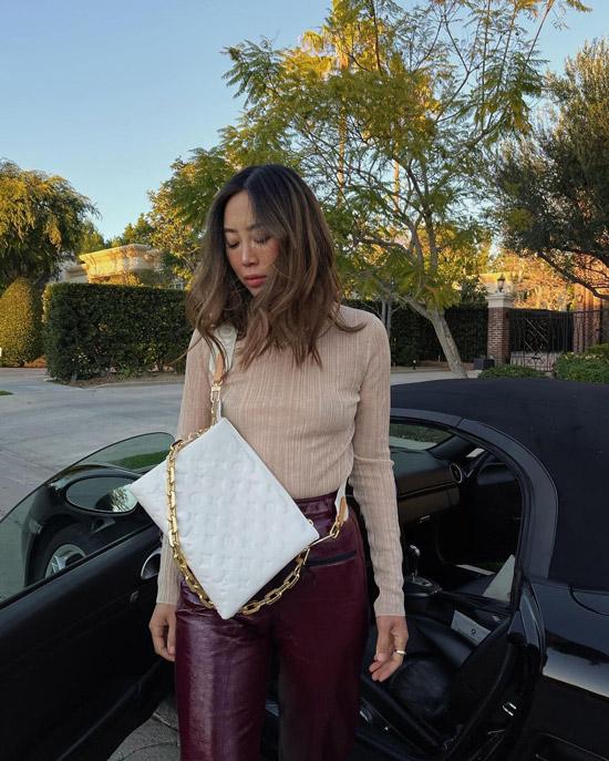 aimeesong показала стрит стайл тренд сезона, модную сумку