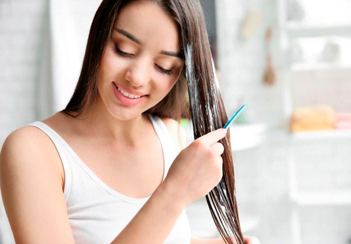 Девушка с длинными натуральными волосами