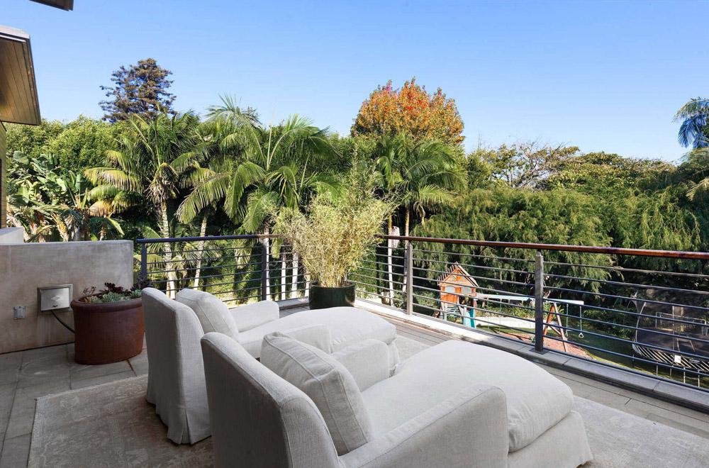 Вид с балкона в доме Метта Деймона