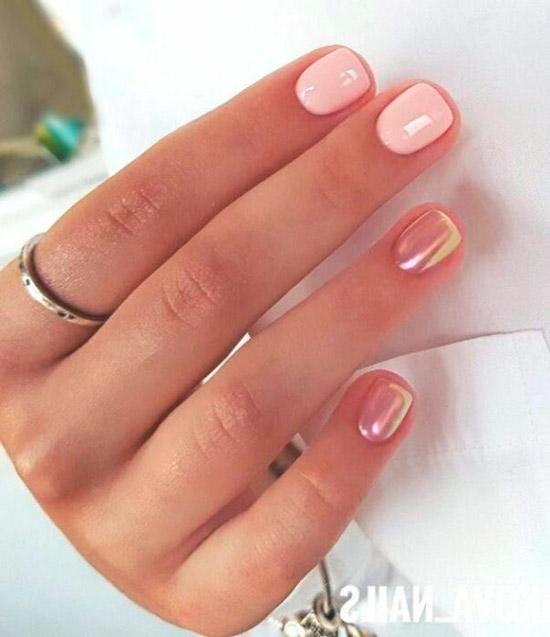 Нежный жемчужный маникюр на натуральных коротких ногтях