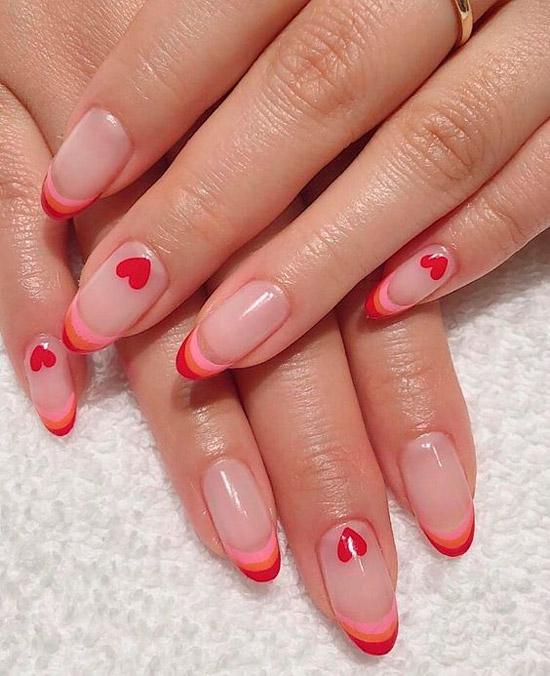 красный френч на овальных ногтях