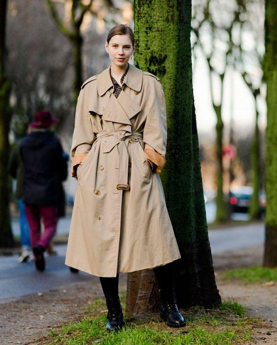 Модный женский плащ на весну 2021