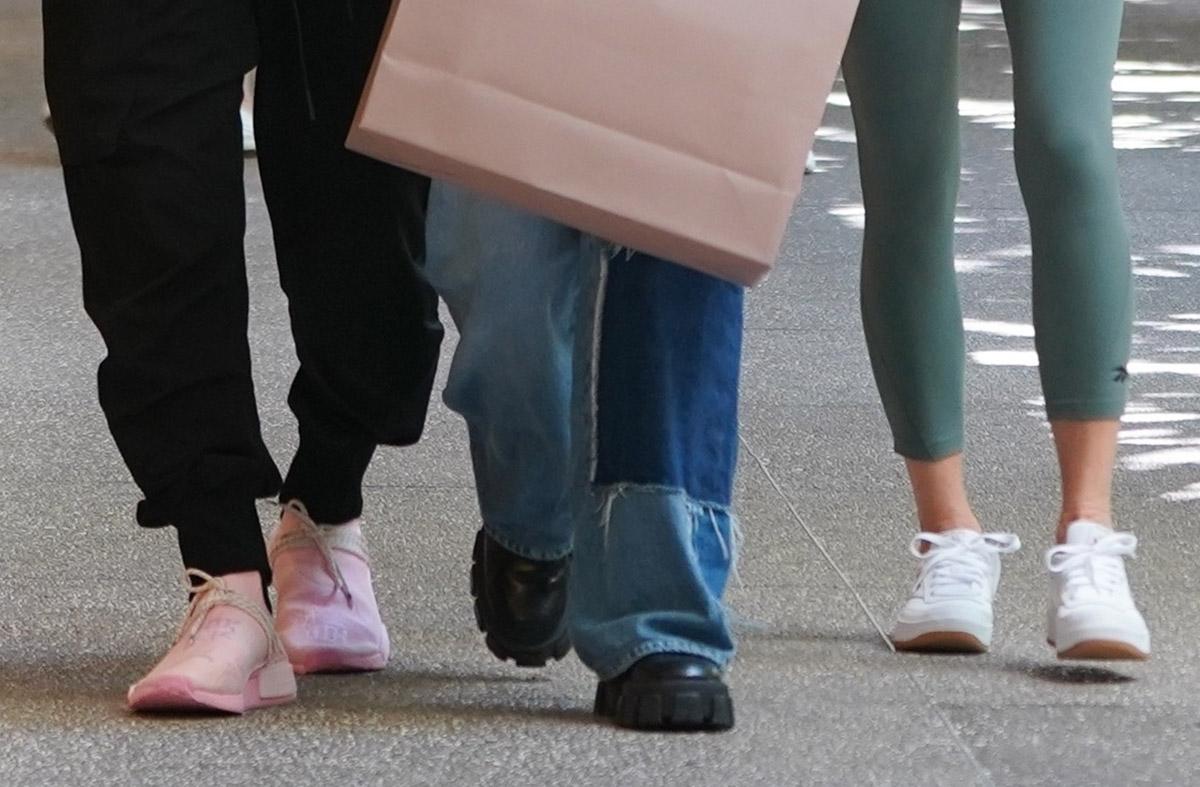 Дэвид Бекхэм в розовых кроссовках