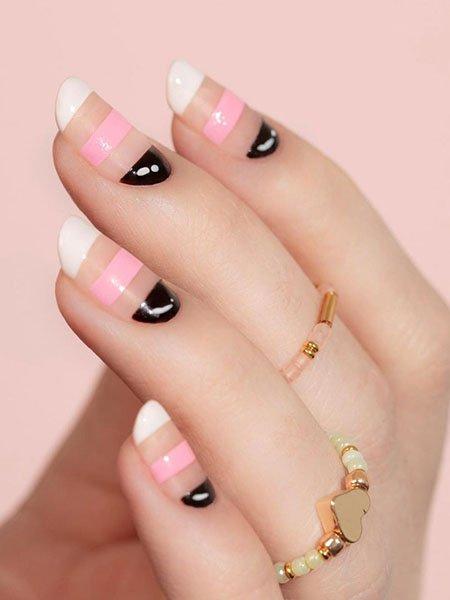 Необычный полосатый френч на овальных ногтях