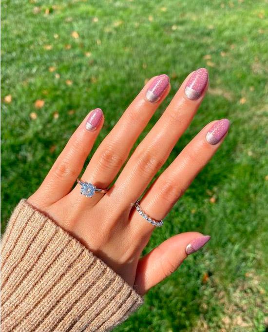 Розовый маникюр с серебром на овальных натуральных ногтях