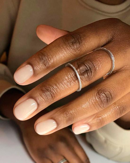 красивые натуральный маникюр на коротких ногтях