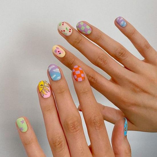 Милая идея маникюра для пикника на коротких натуральных ногтях
