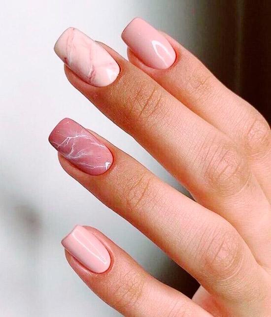 Розовый матовый маникюр на квадратных ногтях