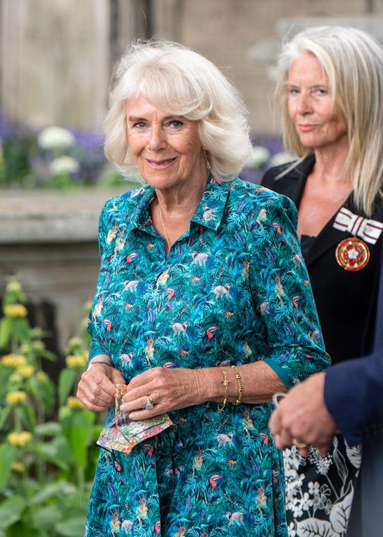 Английская герцогиня в женственном платье