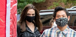 Анджелина Джоли в комбинезоне и лодочках выглядит непривычно, но шикарно