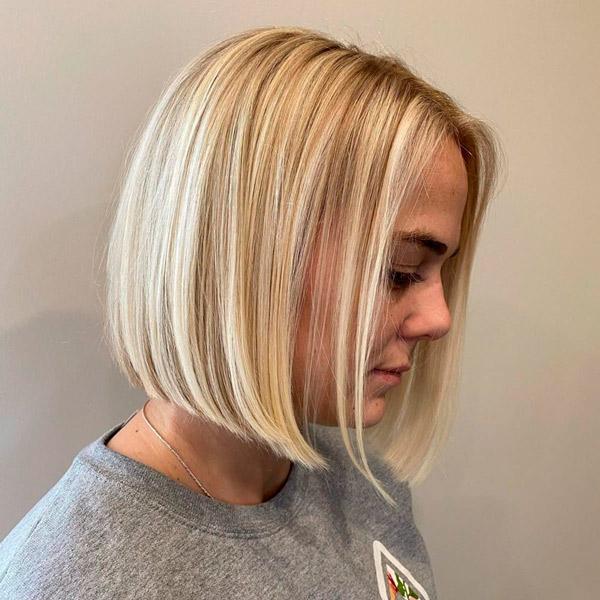 Стрижка на короткие светлые волосы